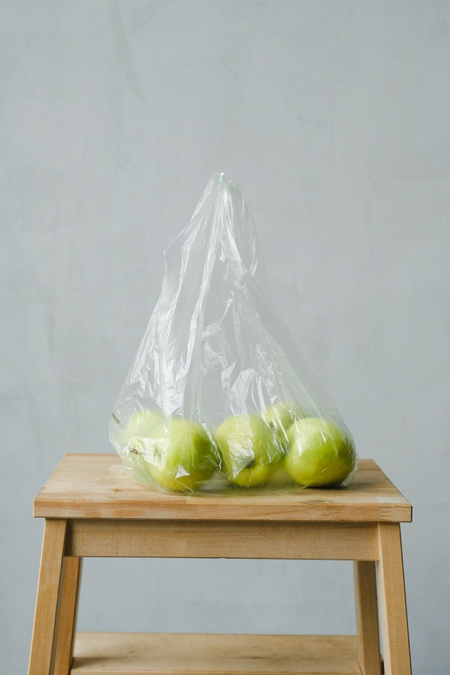 green-apples-inside-a-plastic-bag-3645592