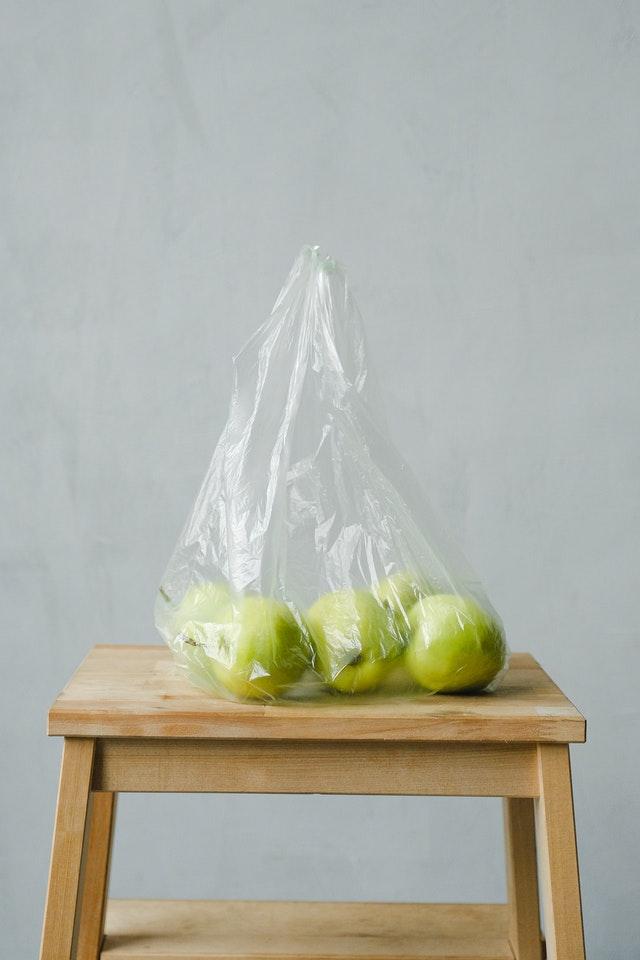 green-apples-inside-a-plastic-bag-3645592